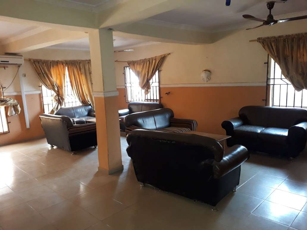 OMILAS CONTINENTAL HOTEL AND SUITES